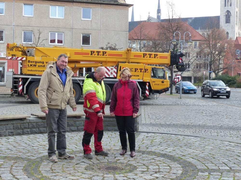 Weihnachtsbaum Service.Halberstädter Engagiert Sich Für Weihnachtsbaum Auf Johannesbrunnen