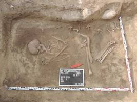 [(c): Dr. Matthias Sopp, Archäologe, Grabungsleiter im Sonntagsfeld]