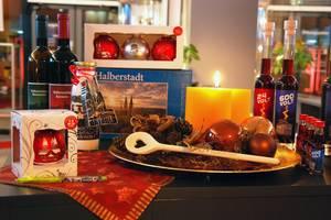 Weihnachtssouvenirs aus Halberstadt mit städtischen Motiven [(c): Stadt Halberstadt, Tourist Information]