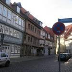 Straßenansichten der Bakenstraße mit bereits sanierten Wohngebäuden