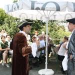 Für einen humorvollen Auftakt und zur Überraschung der Gäste sorgten die beiden Herren Spiegel und Gleim (alias Arnold Hofheinz und Gerold Ströher) Foto: Ute Huch