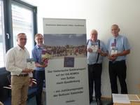 Übergabe der Dokumentation zum historischen Salztransport