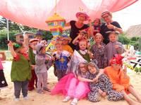 Die kostümierten Kinder der Kindertagesstätte Holzbergwichtel