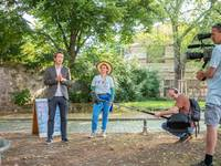 Oberbürgermeister Daniel Szarata eröffnet die das interkulturelle Projekt zum Thema Wasserknappheit weltweit