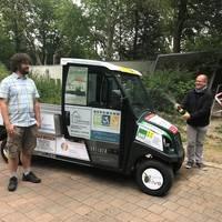Firmen sponsern neues Elektrofahrzeug für Tiergarten