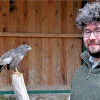 David Neubert, Chef des Tiergartens Halberstadt, freut sich über die Erweiterung des Greifvogelhospitals.