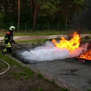 Feuer- und Umweltwache der Stadt Halberstadt - Brandsimulation auf dem Übungsgelände