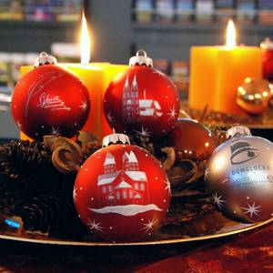 Weihnachtskugeln mit Halberstadtmotiven [(c) Stadt Halberstadt, Tourist Information]