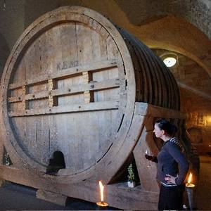 Riesenweinfass im Jagdschloss in den Spiegelsbergen [(c): Mathias Kasuptke]