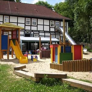 KITA_Kunterbunt_Spielplatz