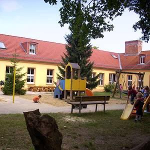 KITA_Regenbogen_Spielplatz