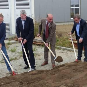 Spatenstich für Erweiterungsbau der RTW Rohrtechnik GmbH in Halberstadt