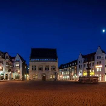 Halberstadt, Blickzum Rathaus - Karsten Hebbel