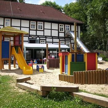 KITA_Kunterbunt_Spielplatz_2
