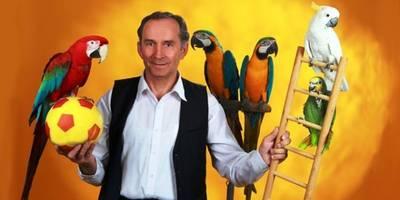 Foto: Endlich wieder mit dabei, die lustige Halberstädter Papageienshow in ihrer fröhlichen Ausstrahlung