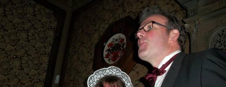 Fräulein Klara erwartet ihre Gäste zu einer besonderen Nachsilvesterfeier im Schraube-Museum [(c) Sammlung Städtisches Museum Halberstadt]