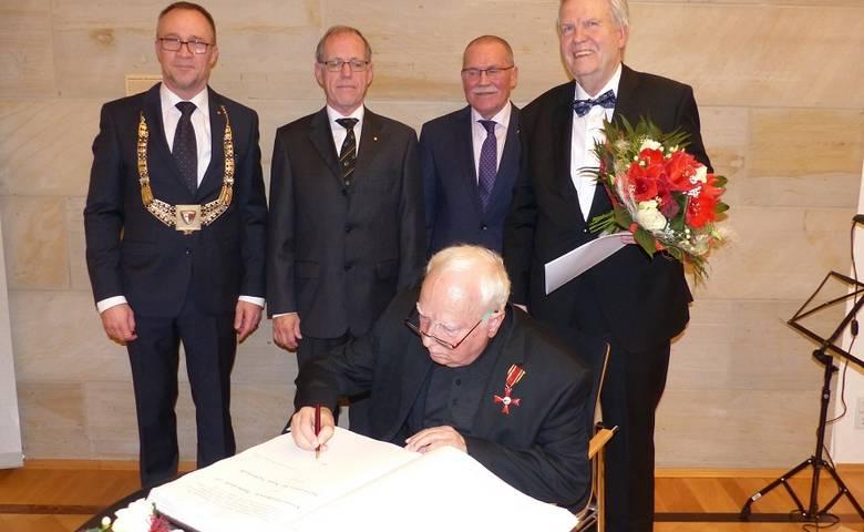 Kammermusikverein wurde zum 50jährigen Jubiläum mit dem Kulturpreis der Stadt Halberstadt geehrt [(c) Stadt Halberstadt/Pressestelle]