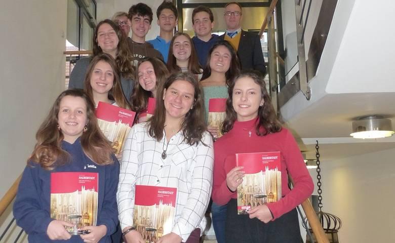 Schülerinnen und Schüler aus Brasilien im Rathaus Halberstadt [(c) Stadt Halberstadt/Pressestelle]