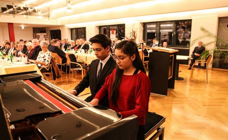 Robin und Celina Delgado begeisterten Gäste des Hilariusmahls [(c) Stadt Halberstadt/Pressestelle]