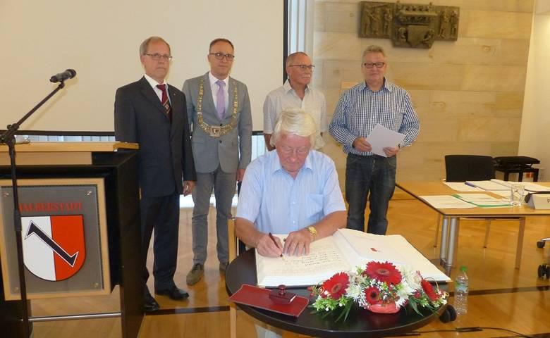 Neu gewählter Stadtrat nimmt Arbeit auf [(c) Stadt Halberstadt/Pressestelle]