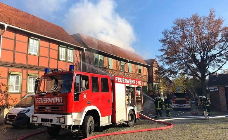 Brand im Schachmuseum - Kulturgut gerettet - OB Henke dankt Rettungs-kräften [(c) Stadt Halberstadt/Feuerwehr Halberstadt]