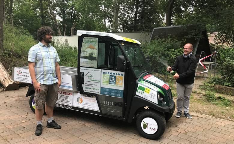 Firmen sponsern neues Elektrofahrzeug für Tiergarten [(c) Stadt Halberstadt/Pressestelle]