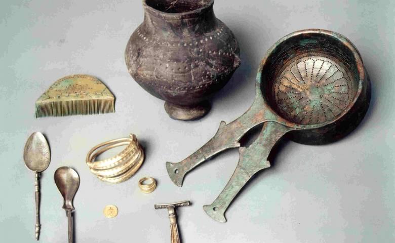 Grabfunde des 4. Jahrhunderts von Emersleben bei Halberstadt [(c): Städtisches Museum Halberstadt]