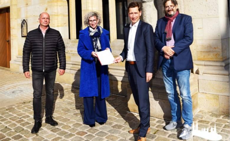 Zusammenarbeit zwischen der Stadt Halberstadt und der Roland-Initiative besiegelt [(c) Stadt Halberstadt, Pressestelle]