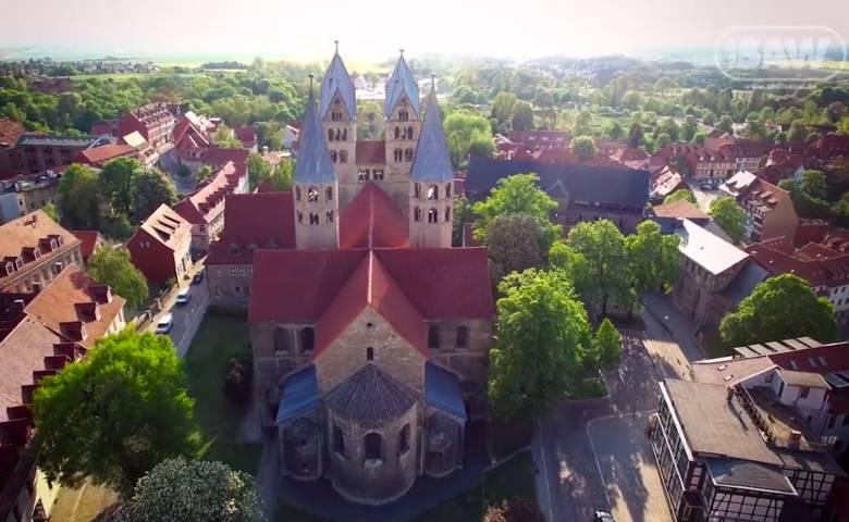 Halberstadt von oben, Die Liebfrauenkirche - SAW Überfliegervideo [(c) radio SAW]
